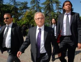 Maltepe Belediye Başkanı serbest