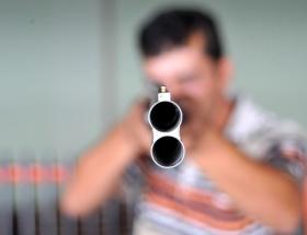 Kayınbiraderini pompalı ile vurdu