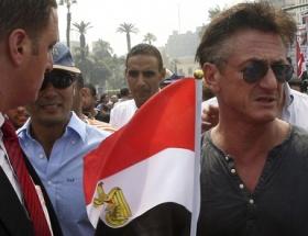 Sean Penn Tahrir Meydanında