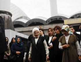 Başbakan Erdoğandan annesi için dua