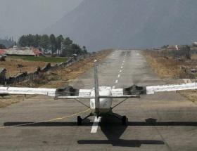 Nepalde askeri uçak kayboldu
