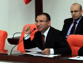 Türkiyede demokrasi kökleşmedi