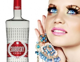 Swarovskiyi votka çarptı