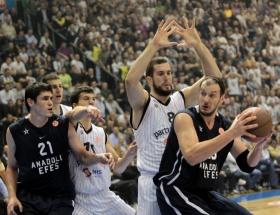 Partizan mt:s: 73 - Anadolu Efes: 84