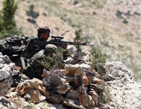 Teröristler vadide sıkıştı