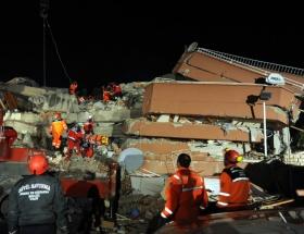 Vanda deprem: Ölü sayısı 370e yükseldi