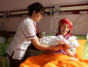 Yılın annesi Azra bebeğin annesi