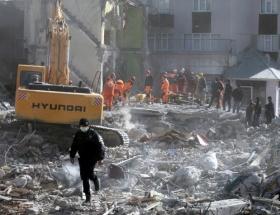 Beyrutta 5 katlı bina çöktü