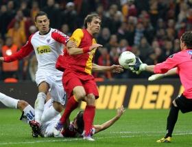 Galatasarayda goller yenilerden