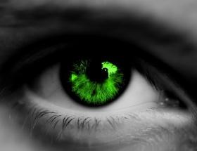 20 saniyede göz rengini değiştirin