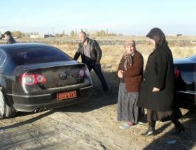 Meclis aracıyla terörist mezarına ziyaret