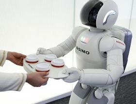 ASIMO artık top oynuyor