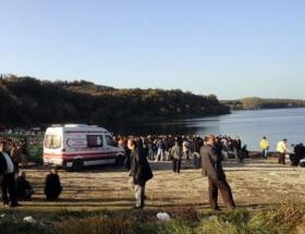 4 kişi gölde boğuldu