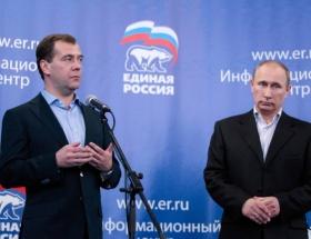 Putine sandıkta soğuk duş
