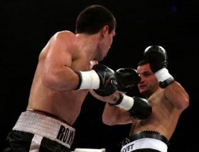 Nakavt olan boksör öldü