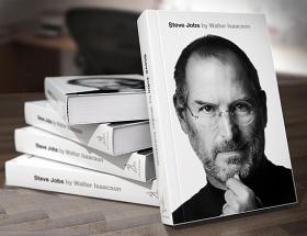 Steve Jobsun evini soydular