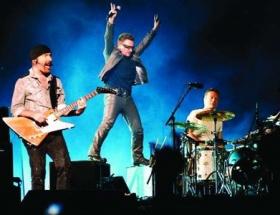 Dünya U2 için döndü