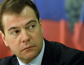 Medvedevden YotaPhone yorumu