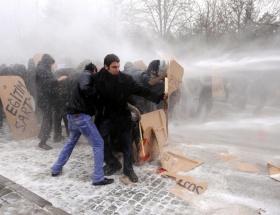 ODTÜlü öğrencilere polis müdahalesi !