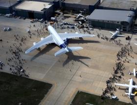 Boing 462 uçak teslim etti