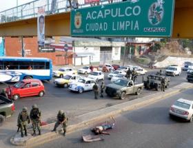Meksikada marketleri yağmaladı