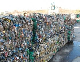 Çöpten 400 bin defter çıktı