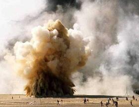 Esed güçleri camiyi bombaladı: 20 ölü