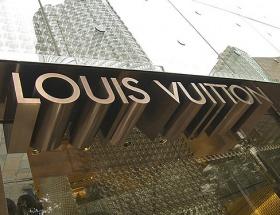 Louis Vuitton, Damata ortak oluyor