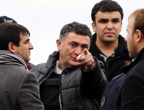 Ayhan Çarkın dediğini yapıyor