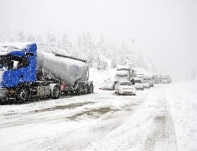 Doğuda ulaşıma kar engeli