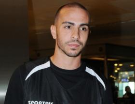 Galatasaray, Carlos Arroyoyu bırakmadı