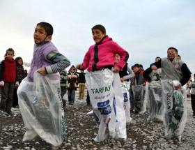 Depremzede çocuklar yılbaşı eğlencesi