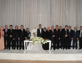 Bakanlar nikah şahidi oldu