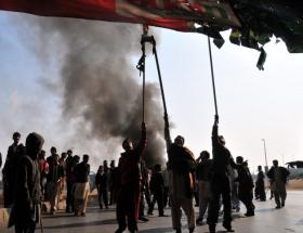 Pakistanda bombalı saldırı: 9 ölü