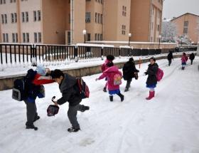 Kırşehirde eğitime kar engeli
