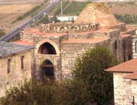 Tarihi İçkaledeki kazı çalışmasına yeniden başlandı