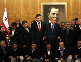 Kurtarılan Türk mürettebat duygularını anlattı