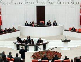 Meclis ilk ombudsmanı seçti