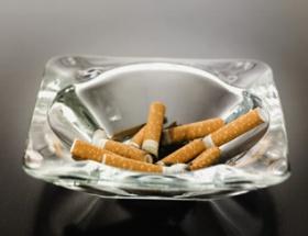 Sigara evlerde de içilmeyecek
