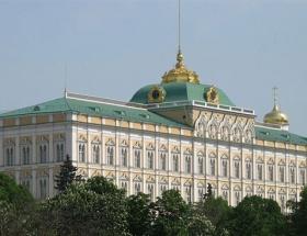 Muhalefetten Kremline beyaz kuşatma