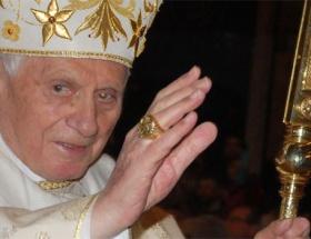 Papadan tarihi Küba ziyareti