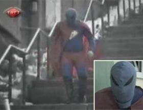 Yeni kahramanımız: Görüncek Adam