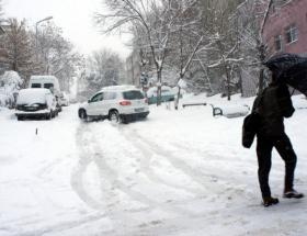 Kartepeye mevsimin ilk karı yağdı