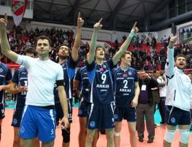 Arkasspor dörtlü finale yükseldi