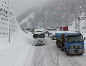 Bolu Dağında buzlanma uyarı