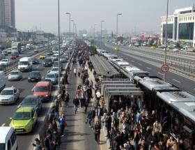 Mecidiyeköy metrobüs istasyonuna yeni düzenleme