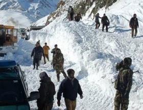 Afganistanda çığ: 22 ölü