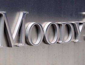 Moodys Türkiyeye negatif