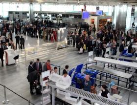 İki havalimanındaki grev yarın da sürecek