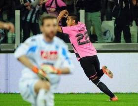 Napoli Juventusa hafif geldi!
